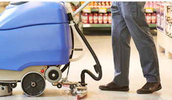 retail cleaning hull